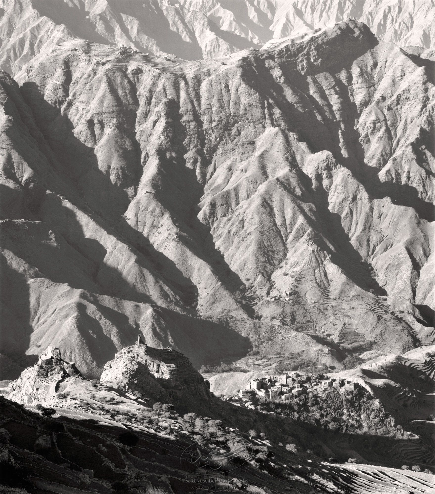 Dizzying heights and terraced hillsides of <i>Wadi Hajja</i>, Yemen